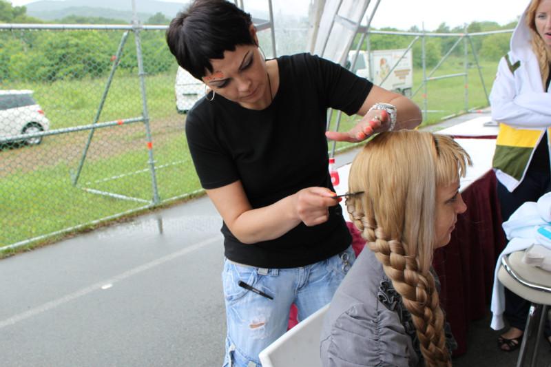 Вы просматриваете изображения у материала: Салон красоты LUCKY - партнер тура в поддержку футбола