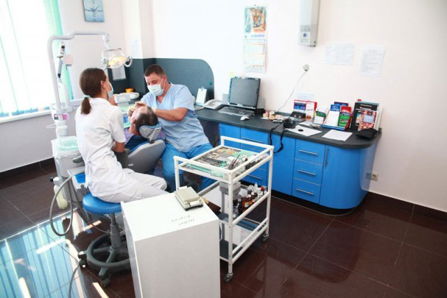 Вы просматриваете изображения у материала: Никодент - стоматологическая клиника