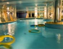 Бассейн в фитнес-клубе Master Gym